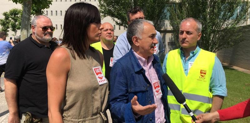 UGT ha convocado hoy una  concentración en el Hotel Tryp Barcelona Aeropuerto para denunciar la explotación laboral de las camareras de piso