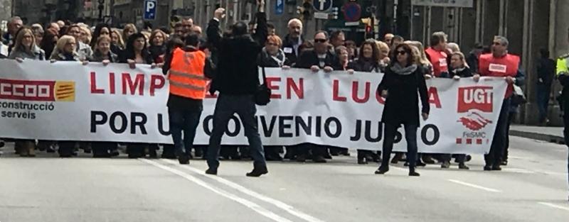 UGT y CCOO se manifiestan en Barcelona en defensa del convenio de limpieza de edificios y locales de Catalunya