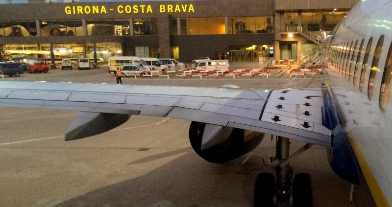 La plantilla de seguridad privada del Aeropuerto de Girona hará paros parciales el 8 y el 12 de septiembre
