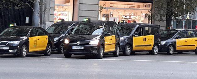 UGT condena  los actos violentos durante las protestas de los taxistas de Barcelona