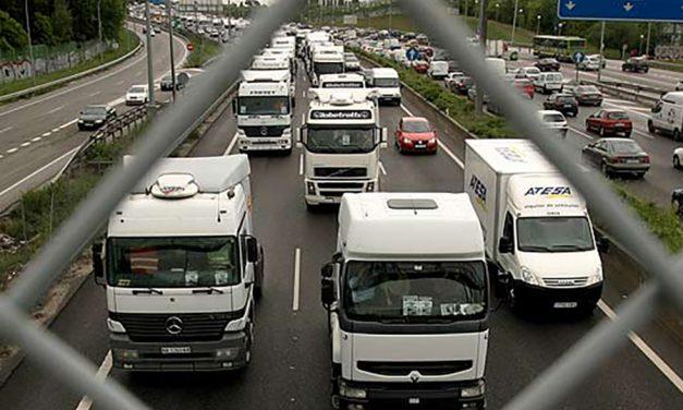 Huelga en el sector de mercancías y logística de la provincia de Barcelona después de 9 años sin convenio