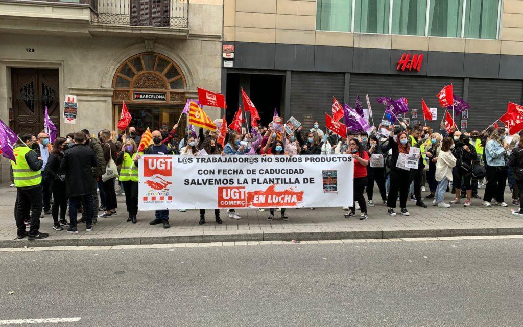 H & M retira la modificación sustancial de las condiciones de trabajo, pero sigue adelante con los despidos previstos