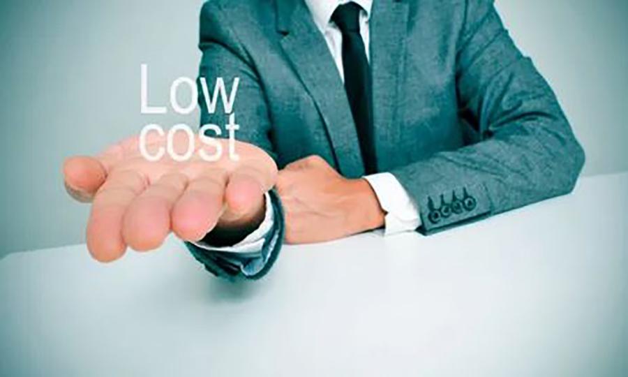 #2dejunioyoparo   Trabajadores low cost en CaixaBank